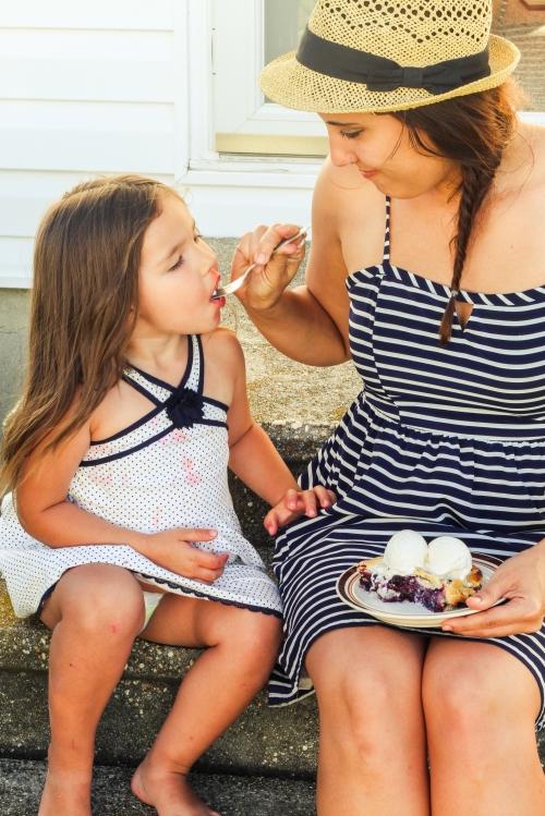 Amelie eats pie